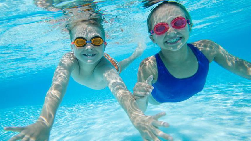 Một vài lưu ý giúp trẻ an toàn khi đi biển 2